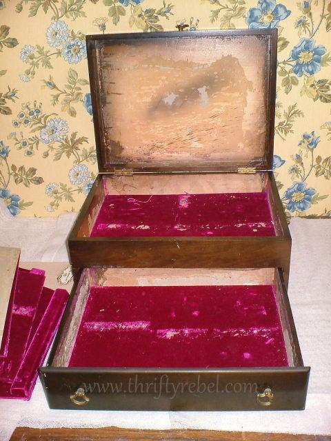 Removing the velvet fabric inside cutlery chest