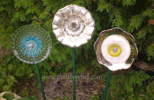 Making garden plate flowers by repurposing thrifted plates and dishes