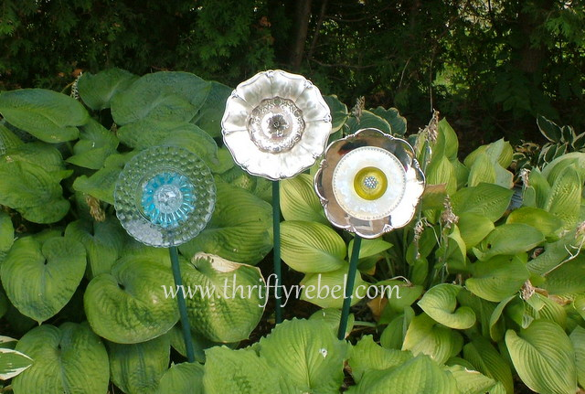 Making garden dish flowers by repurposing thrifted plates and dishes