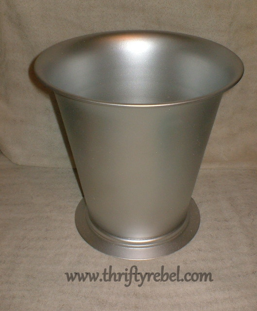 stainless-steel-garbage-can-makeover