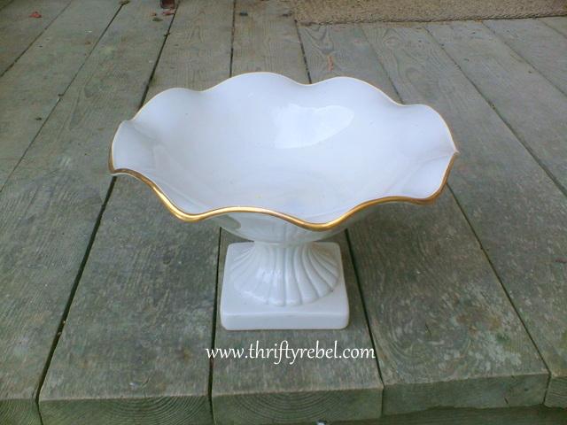 fluted-ceramic-bowl