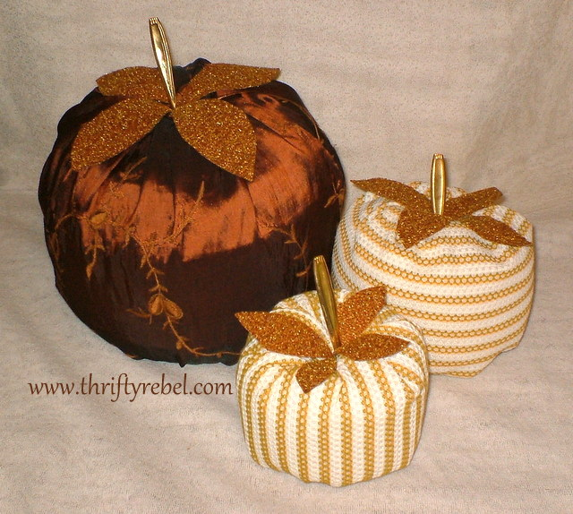 easy-diy-fabric-pumpkins
