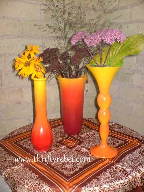 How to spray paint ombre glass vases for fall