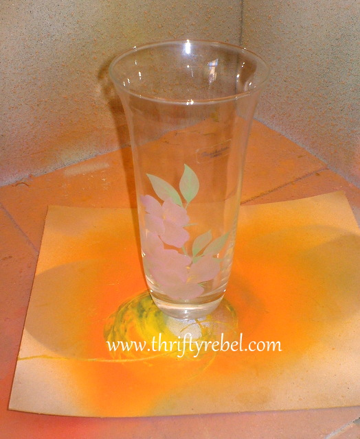 How to Spray Paint Ombre Fall Vases /