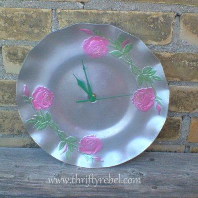 Upcycled Lazy Susan Tray into Clock