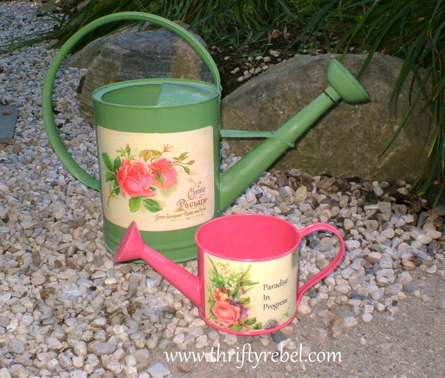 decoupaged-watering-cans