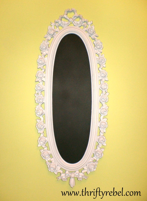 roses-&-ribbon-mirror-makeover-into-chalkboard