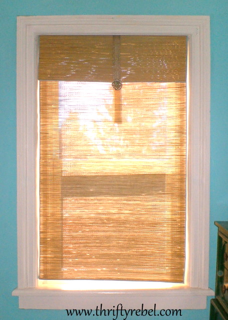 DIY Repurposed Beach Mat Window Blind
