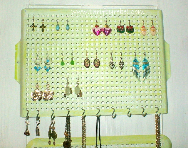 DIY Vintage Cooking Grills into Jewelry Organizers Thrifty Rebel