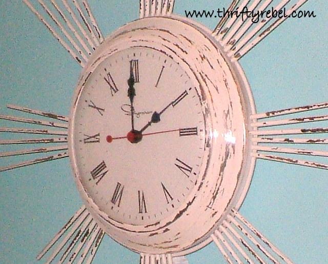 Shabby Chic Vintage Clock Makeover