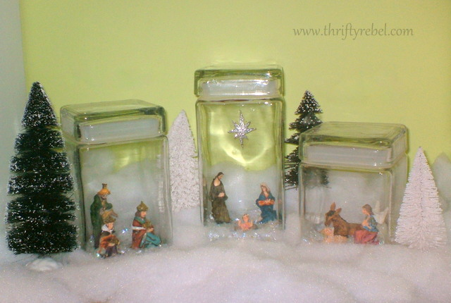mini-nativity-display