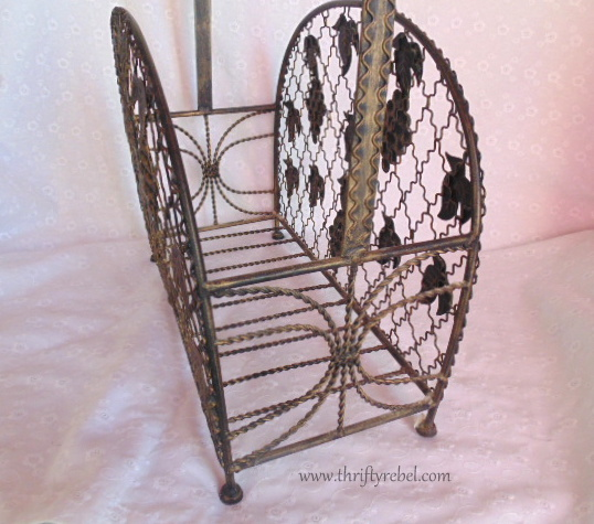 Vintage Grapes Magazine Rack Makeover