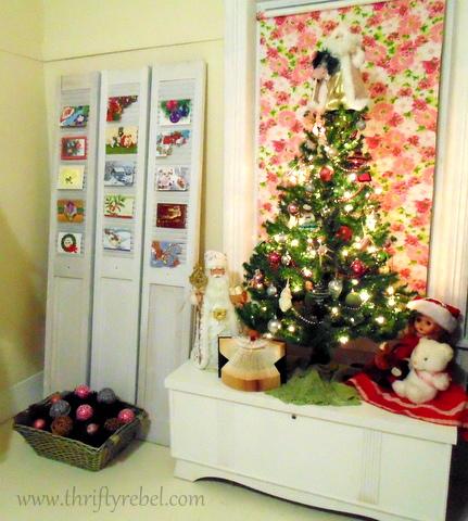 bifold door Christmas card holder