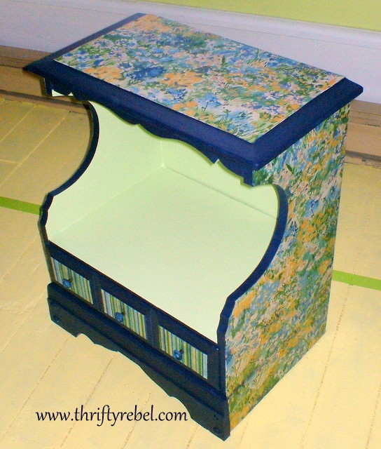 impressionist-decoupaged-night-table
