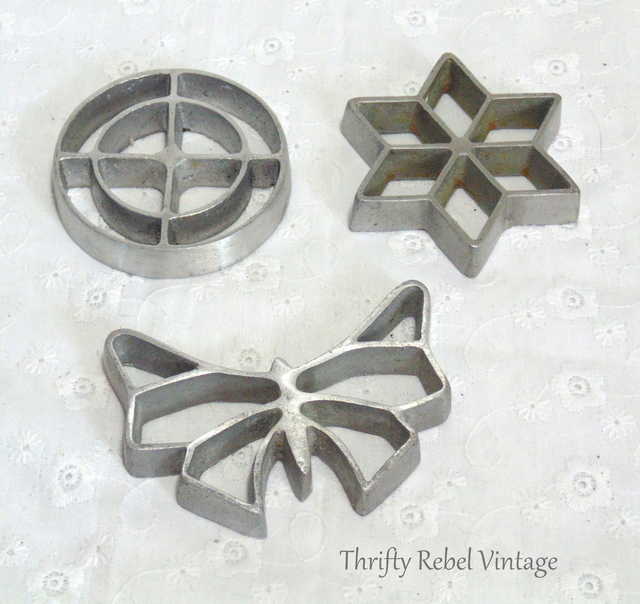 Vintage Dipping Iron Rosettes