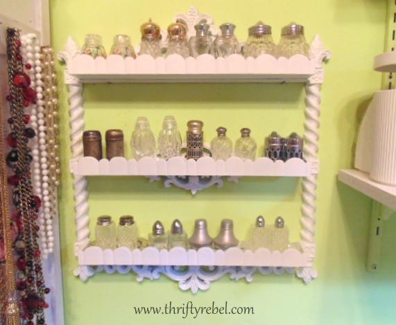 vintage-shelf-makeover