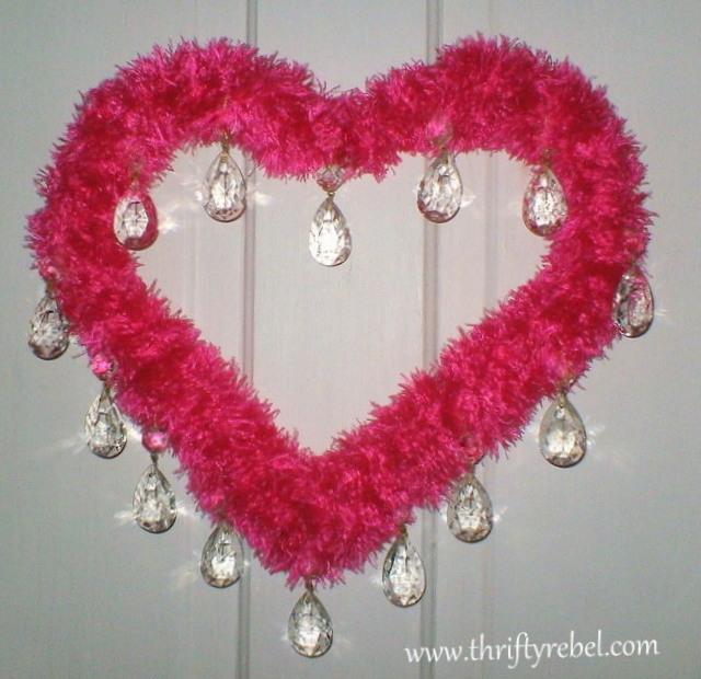 hot-pink-valentine's-day-wreath