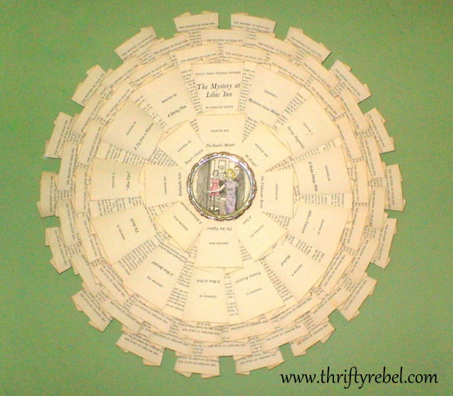 Nancy-Drew-book-page-wreath