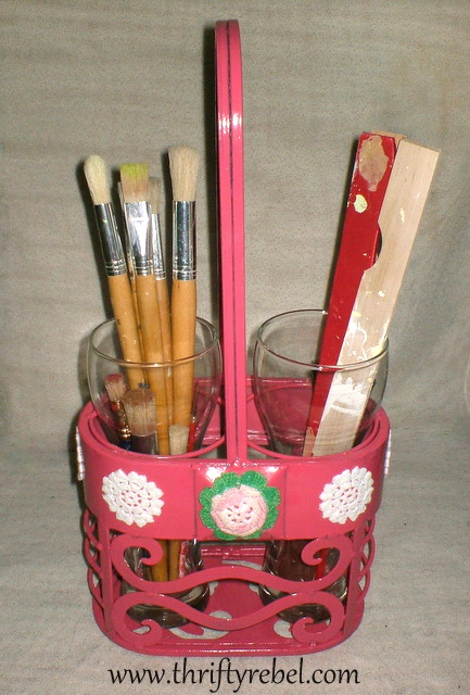 wine-caddy-makeover-for-paint-supplies