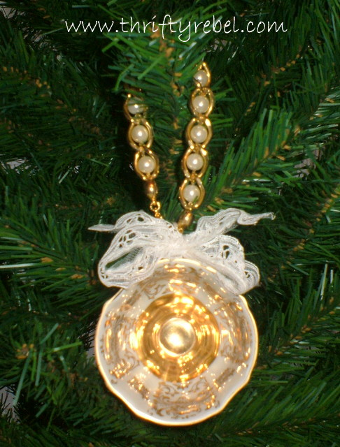 repurposed-vintage-teacup-ornament