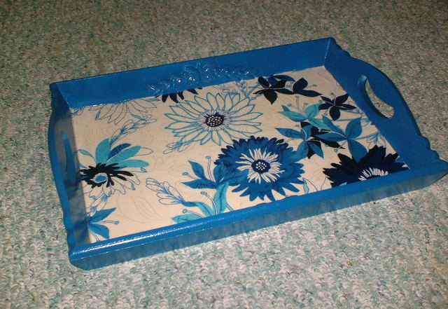 wooden-tray-decoupage-makeover