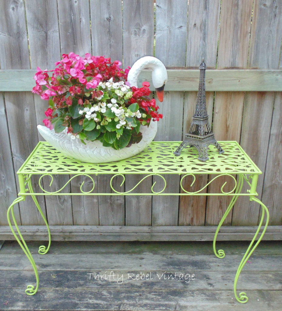 Outdoor Metal Table Makeoverr