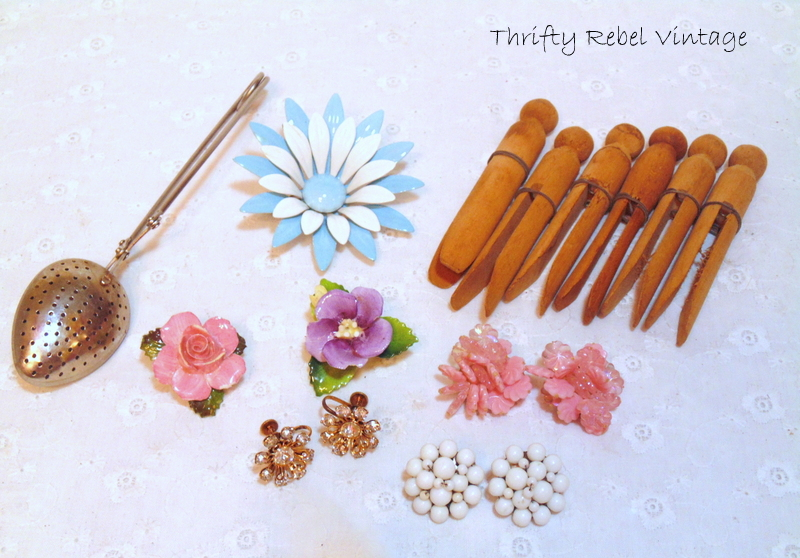 pegs and jewelry