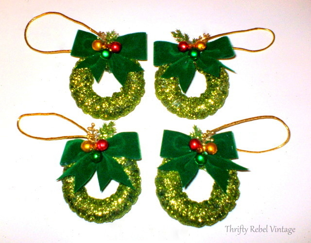 curtain-ring-wreath-ornaments=