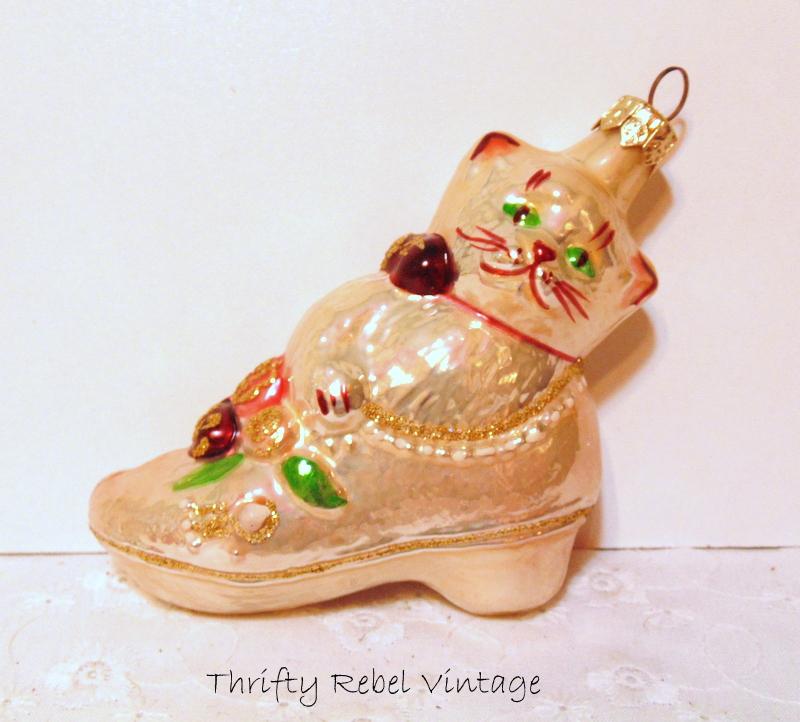 cat in slipper ornament 1