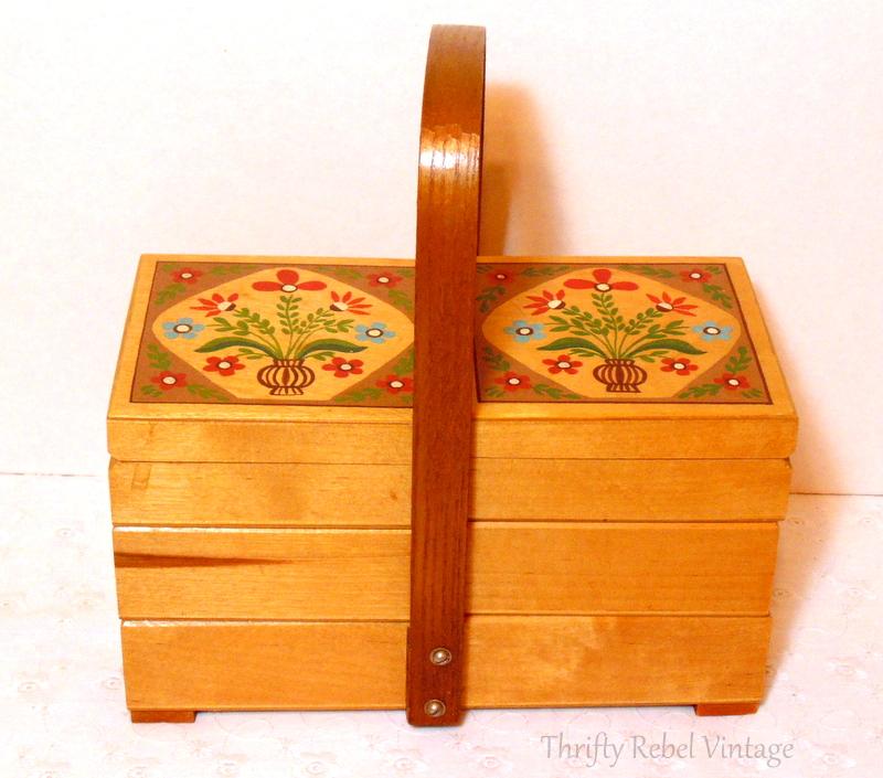 vintage wooden accordion box