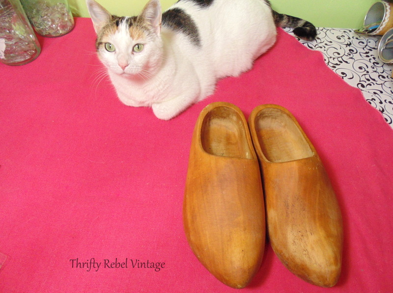 wooden shoes storage 2