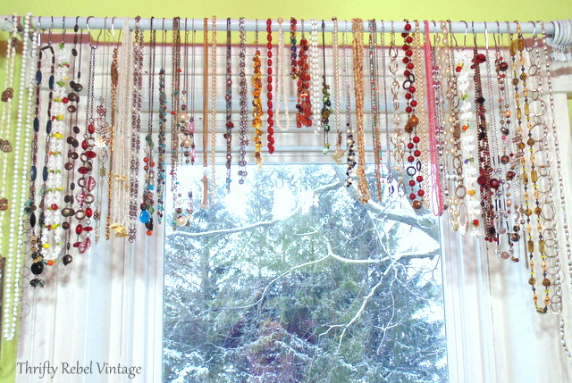 necklace-window-valance