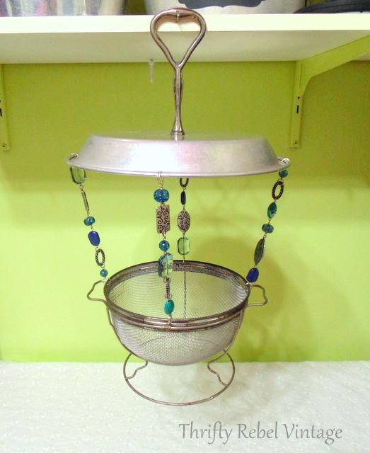 how to make a vintage sieve bird feeder