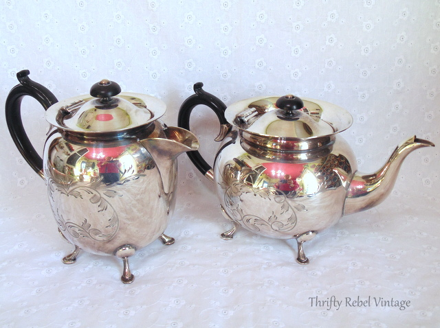 Civic silver plate teapot and coffee pot / thriftyrebelvintage.com / Finds of the Week #43