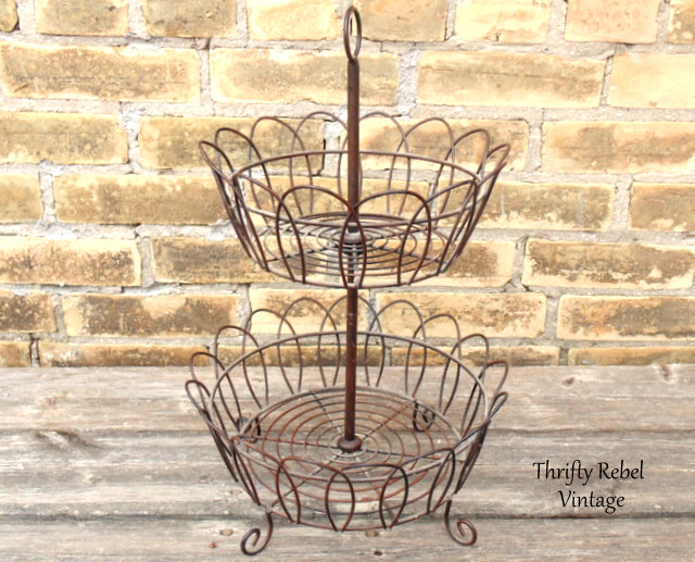Vintage Tiered Metal Stand / thriftyrebelvintage.com