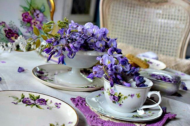 Wisteria-Blooms-Teacup-Milk-Glass