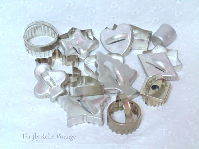 Vintage cookie cutters / Finds of the Week #48 / thriftyrebelvintage.com