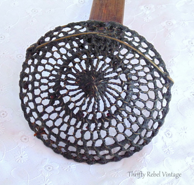 Vintage Metal Strainer with Wood Handle / Finds of the Week #48 / thriftyrebelvintage.com