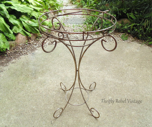 thrift store metal table makeover