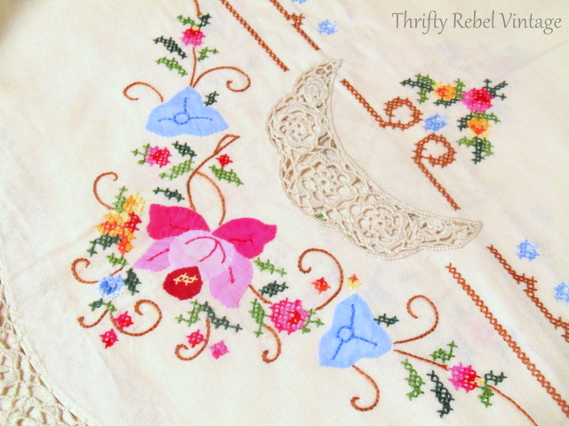 vintage hand embroidered floral tablecloth and napkins