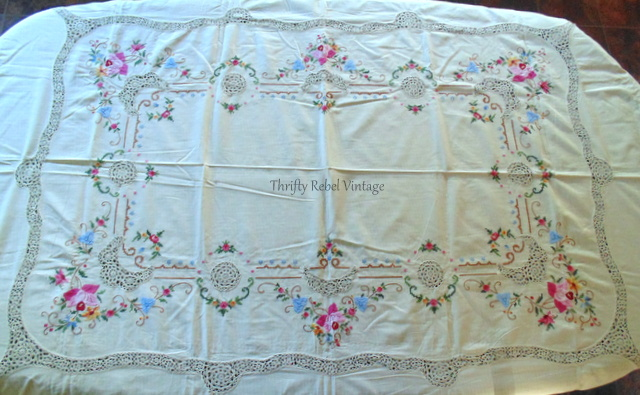 vintage-floral-tablecloth-5