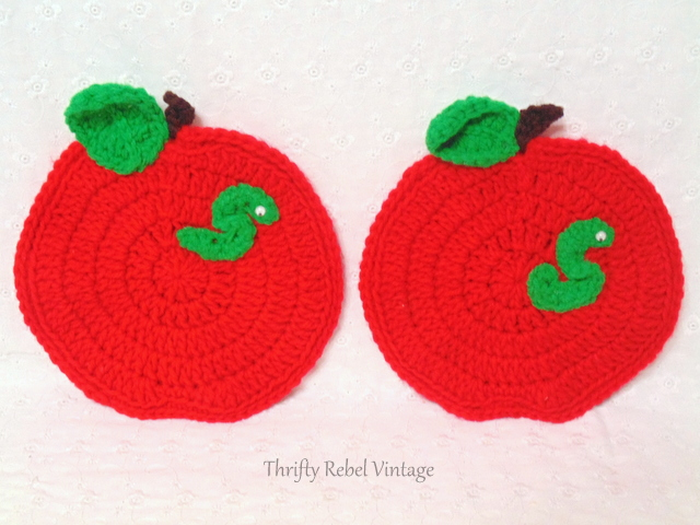 handmade knitted apple pot holders