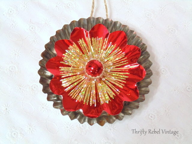 repurposed tart tin Christmas ornaments
