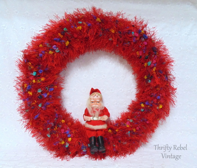 repurposed-scarf-Christmas- wreath