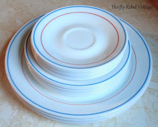 set of Corelle dishes