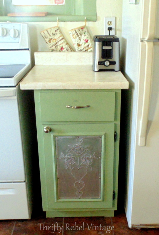 kitchen cupbaord makeover green before
