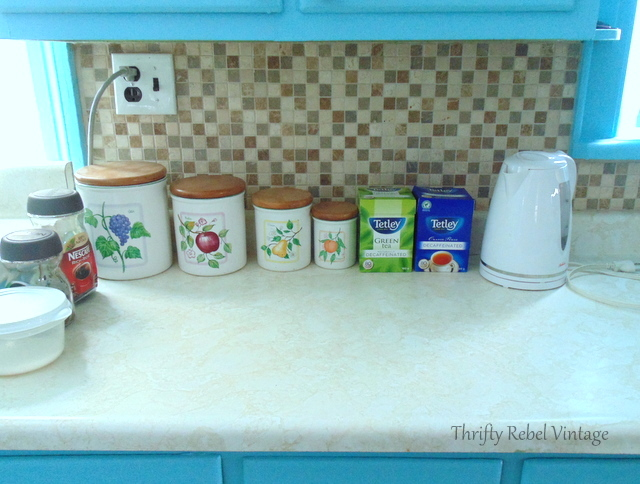 kitchen backsplash makeover befroe