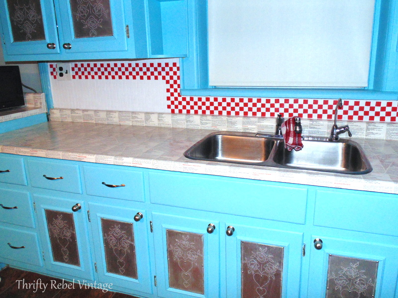 Kitchen backsplash makeover using electrical tape faux tiles