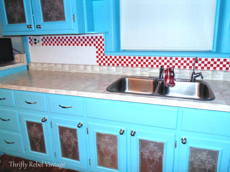 Kitchen backsplash makeover using electrical tape faux tiles