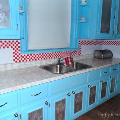This Kitchen Backsplash Makeover is Electrifying